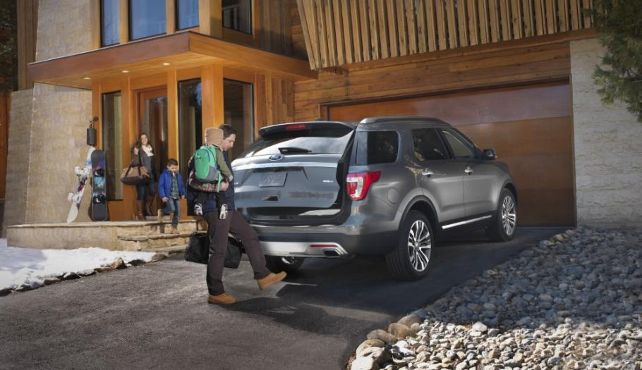 Ford Explorer 2017 Lease >> How Do The Ford Escape Edge And Explorer Compare